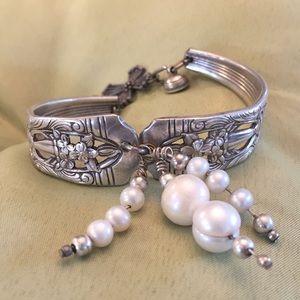 Jewelry - vintage silver spoon bracelet!